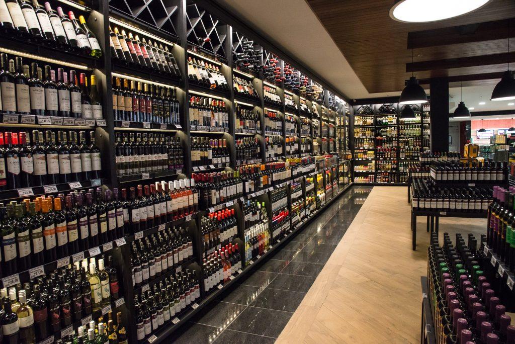 Dia do enólogo - Adega Confiança Supermercados